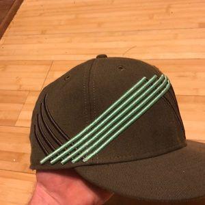 686 Accessories - 686 hat